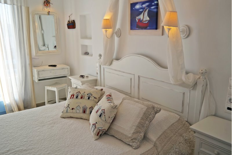 plaka naxos boutique hotels